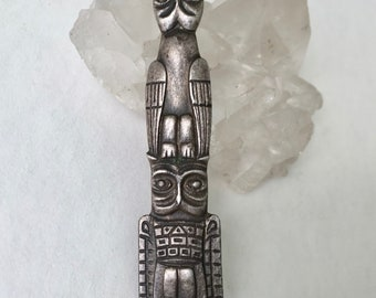 vintage sterling totem pole brooch