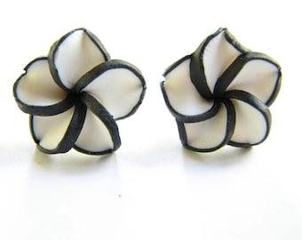 Flower Earrings, Black and White Stud Earrings, Polymer Clay Plumeria Hawaiian Flower Jewelry Womens Beach Vacation Resort Fashion Jewelry