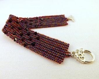 Herringbone Bracelet / Beaded Bracelet in Ruby and Red Garnet / Seed Bead Bracelet / Sparkly Bracelet / One of a Kind Bracelet