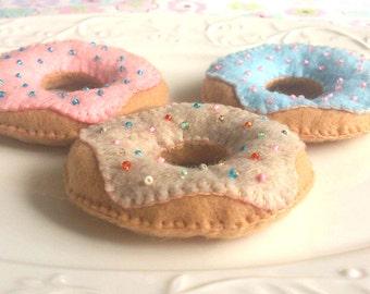 Felt Donut. Set of 3. Felt toy. Felt food.