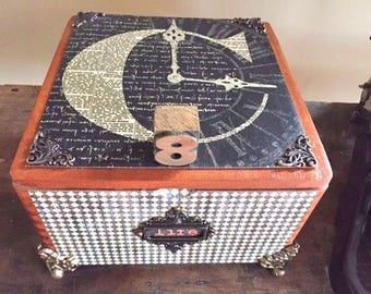 Altered wooden cigar box: Graphic 45 Communique