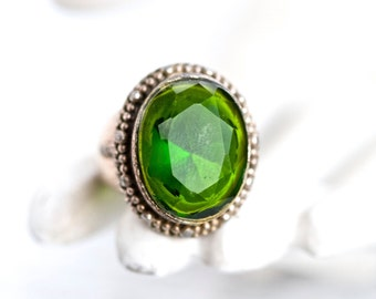 Green Boho Ring - Faceted Glass Signet - Vintage Indian Ring Size 9.5