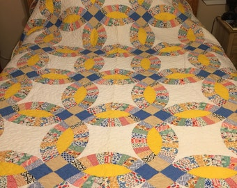 Beautiful vintage wedding ring feed sack queen size quilt top newly quilted