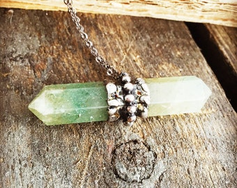 Green aventurine necklace / Moss Green Natural Stone / Healing Crystals / Raw crystal jewelry / Reiki Infused Necklace / Raw Silver Pendant