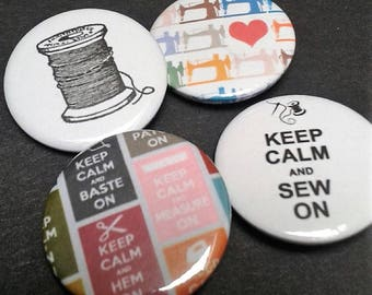 Born to sew badges - 25 mm - Pin back button - Love - Sewing - Crafts - Bobbin - Sewing machine - Accessories