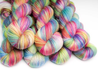 Hand dyed yarn 'HMRST' Lace