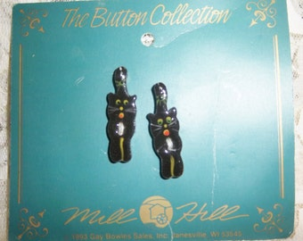 """Mill Hill 1 3/8"""" x 3/8""""  Black Cat  Hand Painted Ceramic Buttons"""