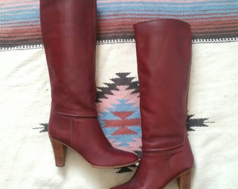 Vintage Women's Knee High Boots, Burgundy Leather Boots with Stacked Heel Size 7.5