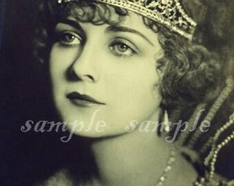 VINTAGE photo instant DIGITAL DOWNLOAD Victorian Queen princesse imprimable Antique photographie victorienne belle femme