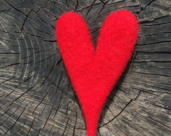 Red heart brooch, felted brooch, needle felted brooch, felt brooch, romantic gift, love gifts, gift for her, eco brooch, eco jewelry, heart