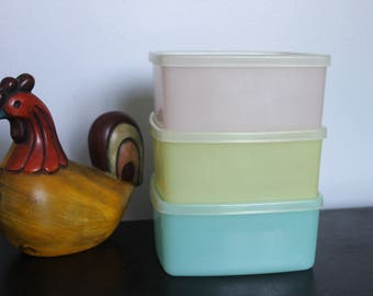 3 Square rounds Tupperware Containers, Vintage Pastel Tupperware, Tupperware Containers #311, Lids 310, 1960s Vintage Tupperware