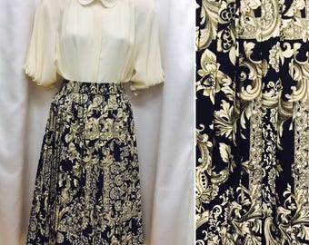Vintage Paisley Skirt Size 8, Cream & Navy, Pleated with Elasticated Waist