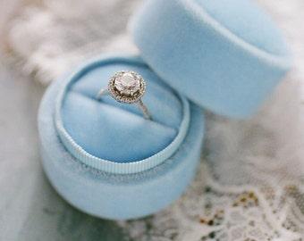 Velvet ring box - vintage style - light blue