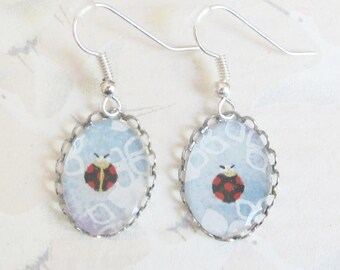 Ladybug earrings in Japanese paper and silvery metal, cabochon earrings, discreet jewelery, gift for her
