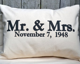 Newlywed gift, 2nd anniversary, engagement gift, anniversary gift, personalized pillow, cotton anniversary, silver anniversary, mr. And Mrs.