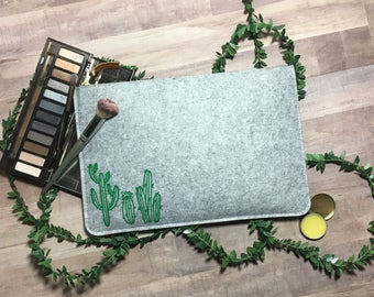 Cacti Carry All Clutch