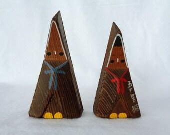 1674 : Kokeshi dolls pair,Fine Japanese Vintage wooden  Kokeshi dolls,signed,hand made in Japan