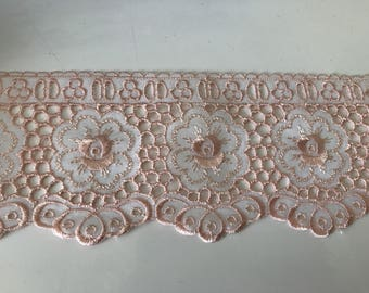 Embroidery lace anglaise 8.5 cm wide peach color