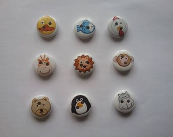 9 buttons 15mm round wood pet No. 78
