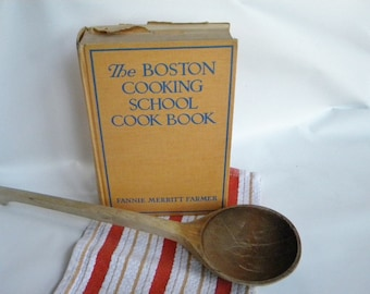 Vintage Boston Cooking School Cookbook Fannie Merritt Farmer 1943 Gold and Blue Hardback with shabby cover