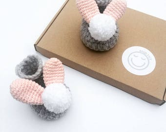 Baby bunny shoes, Crochet baby shoes, Easter baby gift, New baby gift, Baby shower present, Photo shoot prop, Baby girl shoes, Grey shoes
