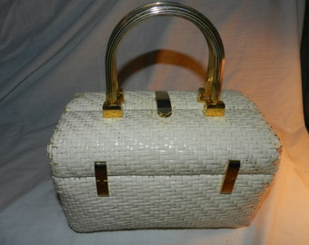 Vintage Koret Purse / Handbag - White Wicker / Rattan with Brass colored Handle and accents - Mid Century Modern Retro bag              26-4