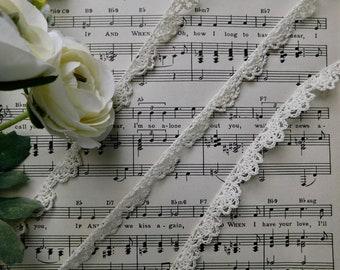 Hand Crocheted Cream Trim - 1 Yard