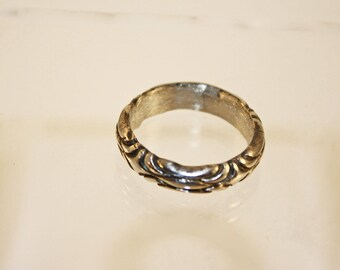 Silver Clay scalloped band