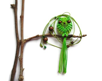 Shades of Green Macrame Owl Necklace