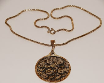 """950 Sterling Silver 16"""" Inch Chain With Large 3D Sunflower Pendant."""