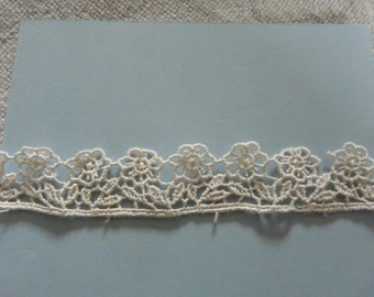 Vintage Embroidered Cream Daisy Lace Ribbon Craft/Card Making or Sewing Trim by the Yard
