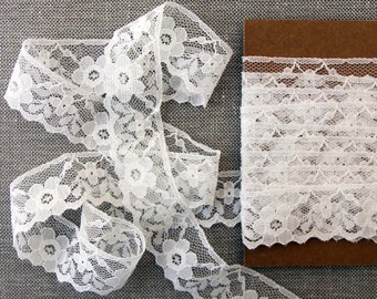 "Vintage lace trim, White floral lace, 1"" wide"