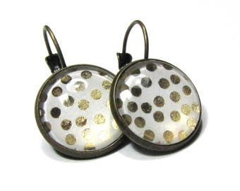 Earrings sleeper cabochons, gold weight, white background