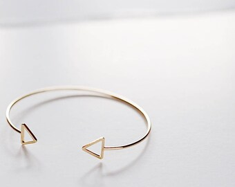 Triangle Bracelet Gold Plated