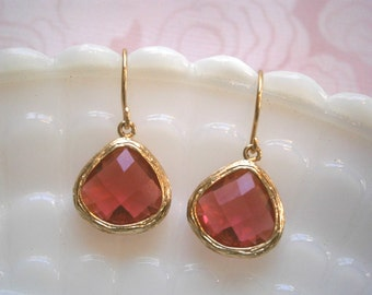 Ruby Earrings,  Fuchsia Earrings, Gold Earrings, Wife Gift, Sister Gift, Mom, Mother, Best Friend