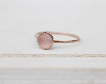 14 k  rose gold ring with rose quartz