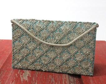 Stunning hand made Jari embroidery clutch, circa 1950s. Jari purse, Jari clutch, Jari, India, midcentury, fashion, clutch, purse, embroidery