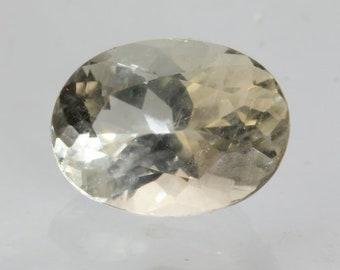 Light Yellow Oregon Sunstone Precision Cut 9x6 mm Oval SI1 Clarity 1.52 carat