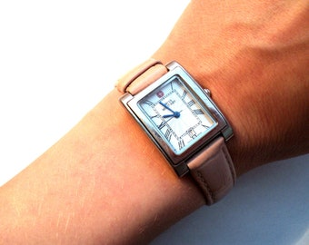 Quality Pastel Pink Vintage Women's Classic Swiss Army Rectangular Military Watch