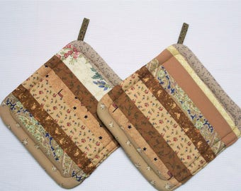 Brown Strippy, Quilted Insulated Pot Holders, Set of 2, Hot Pad, Trivet, Potholder, For the Kitchen, For the Cook,