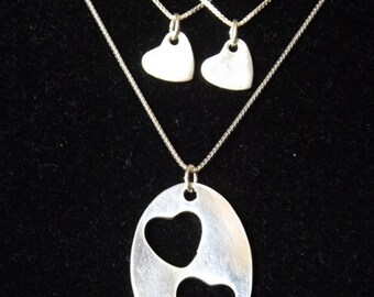 Mother Two Daughter necklace set, Mother Daughter hearts, Mommy and Us necklace set, Mother's Day gift, Girl Mom gift, Gift for daughters