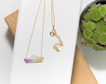 Boat necklace in natural wood (purple/gold) and his gold chain