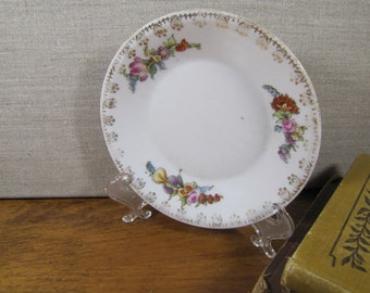 Small Dessert Plagte - Red, Pink and Yellow Flowers - Gold Filigree Accent