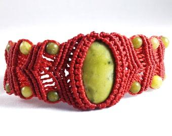 Light Serpentine Red Micro Macramé Bracelet