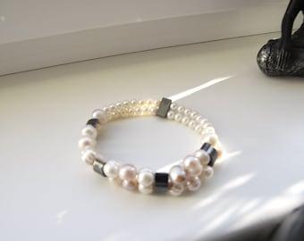 Pearls and hematite bracelet