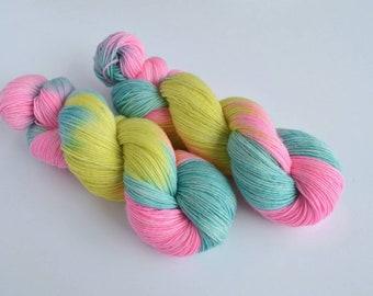 "Hand Dyed Singles Yarn, 100% Merino ""Material Girl"" Pink Yarn, Single Ply Yarn, Gift For Knitter, Shawl Yarn"