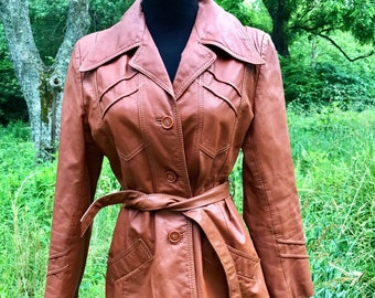 vintage leather genuine brick red brown tan rust retro fitted belted 70s coat jacket lined lady gambrell small medium pointed collar