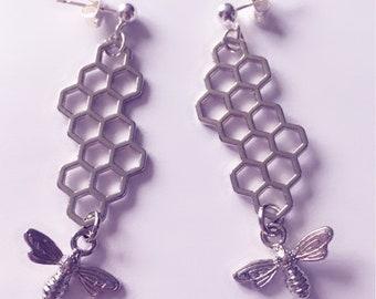 Honeycomb and bee dangle stud earrings!