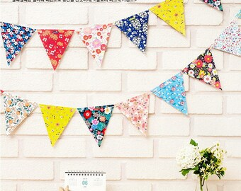Floral Triangle Party Garland