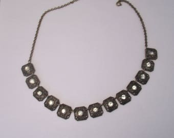 Vintage Rhinestone Necklace with Intricate Metal